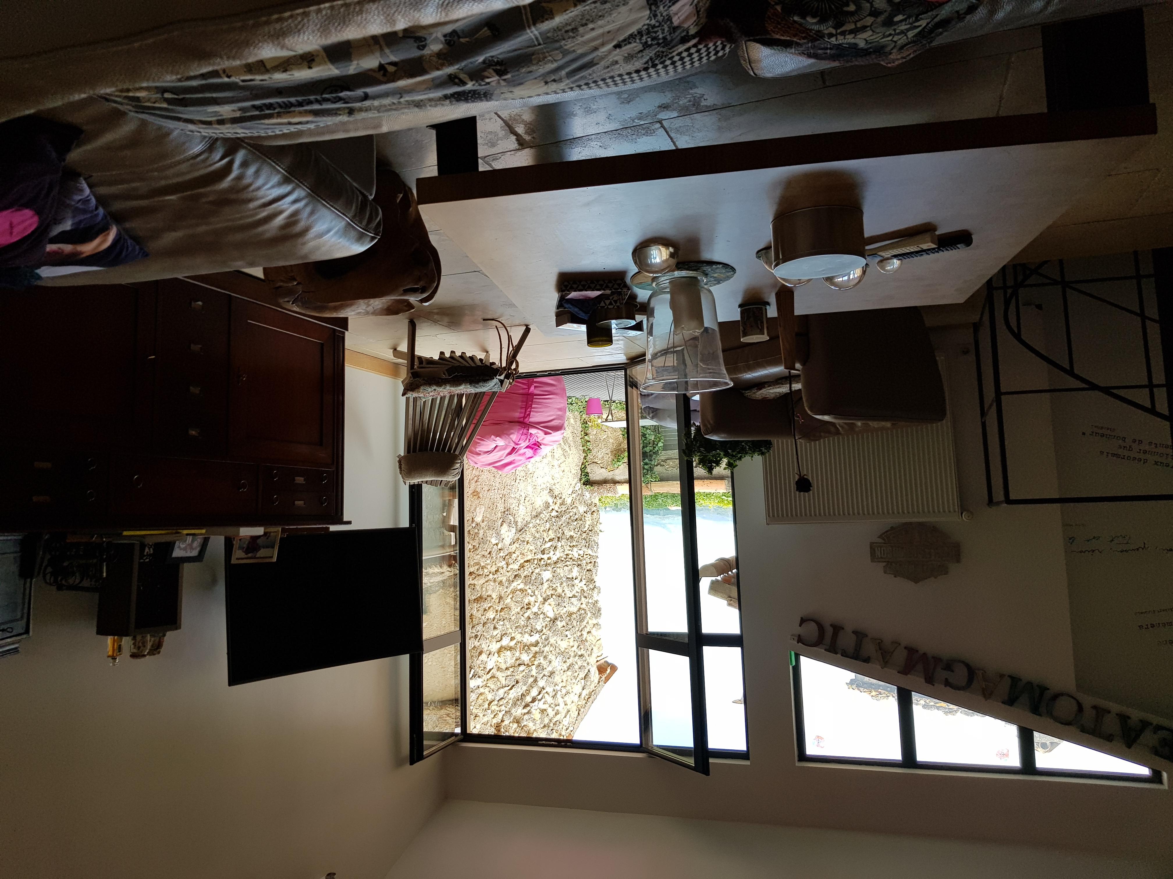 Maison de 210  m2 - Alleins (13980)